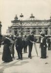 Photo : blessés de guerre devant l'Opéra de Paris, jpg