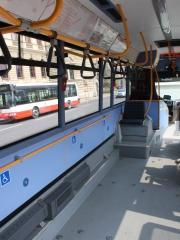 Photo de l'intérieur de l'Irisbus Crossway pour PMR à Prague